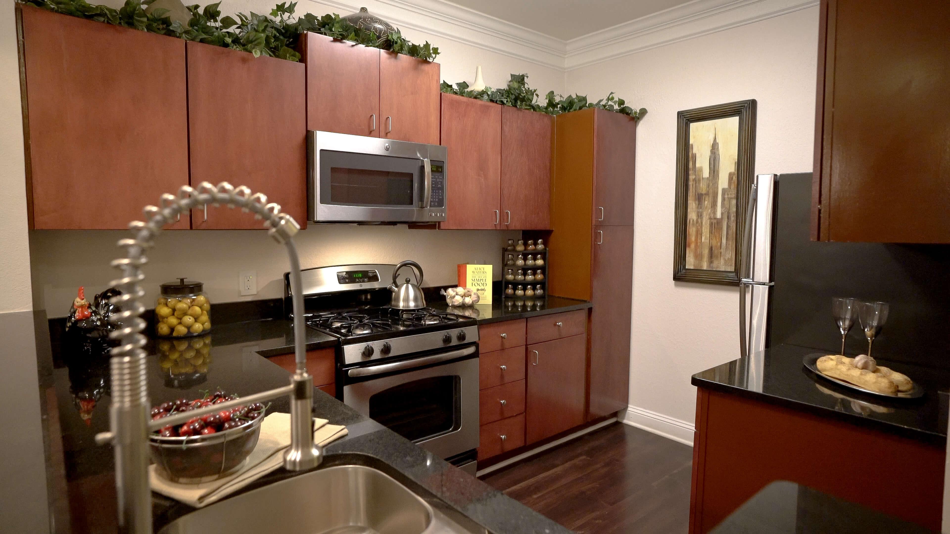 1 2  3 bedroom apartments  charleston court luxury
